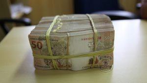 Continua a lavagem de dinheiro