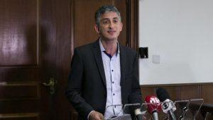 Secretário diz que greve de metroviários em SP é política e que leilão será mantido
