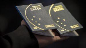 """PF diz que 175 mil pedidos de passaporte ficaram """"represados"""""""