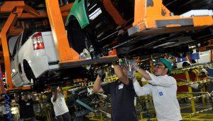 Veículos lideram aumento da produção industrial