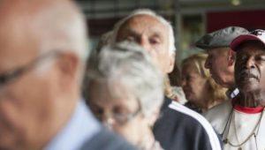 Trabalhador acima dos 60 anos começa a receber nesta segunda as cotas do PIS/Pasep
