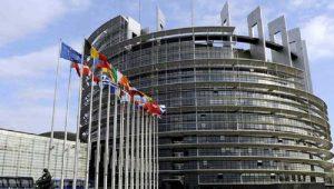 UE ameaça impor sanções contra a Polônia por desrespeito às regras do bloco