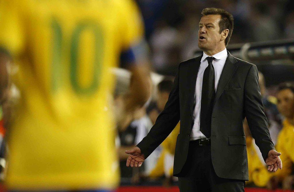 Por que o Brasil não está na Copa das Confederações?