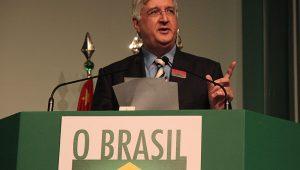 Existe espaço para a exportação crescer no Brasil, diz presidente da APex