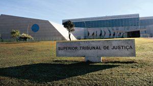 STJ mantém prisão preventiva de ex-vereador acusado de liderar milícia Liga da Justiça no Rio