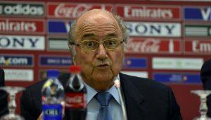 """Rússia diz que ficará """"feliz"""" se Blatter acompanhar a Copa de 2018 no país"""