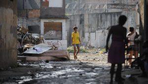 Maioria nas favelas do Rio quer permanência de UPPs, mas com mudanças