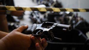 Por que existem tantos criminosos no Brasil?