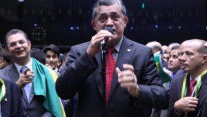 Fachin vota por receber denúncia contra José Guimarães, mas Toffoli pede vista