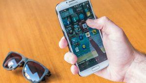 Anatel diz que número de queixas contra operadoras de telefonia diminuiu em 2017