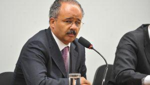 """Cândido fala em """"isonomia"""" ao propor desconto de 90% em multas de partidos"""