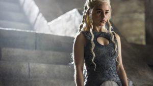 Emilia Clarke critica quem assiste Game of Thrones apenas pelas cenas de sexo