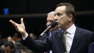 """""""Campeões"""" de voto darão quase R$400 milhões de dinheiro público a partidos"""