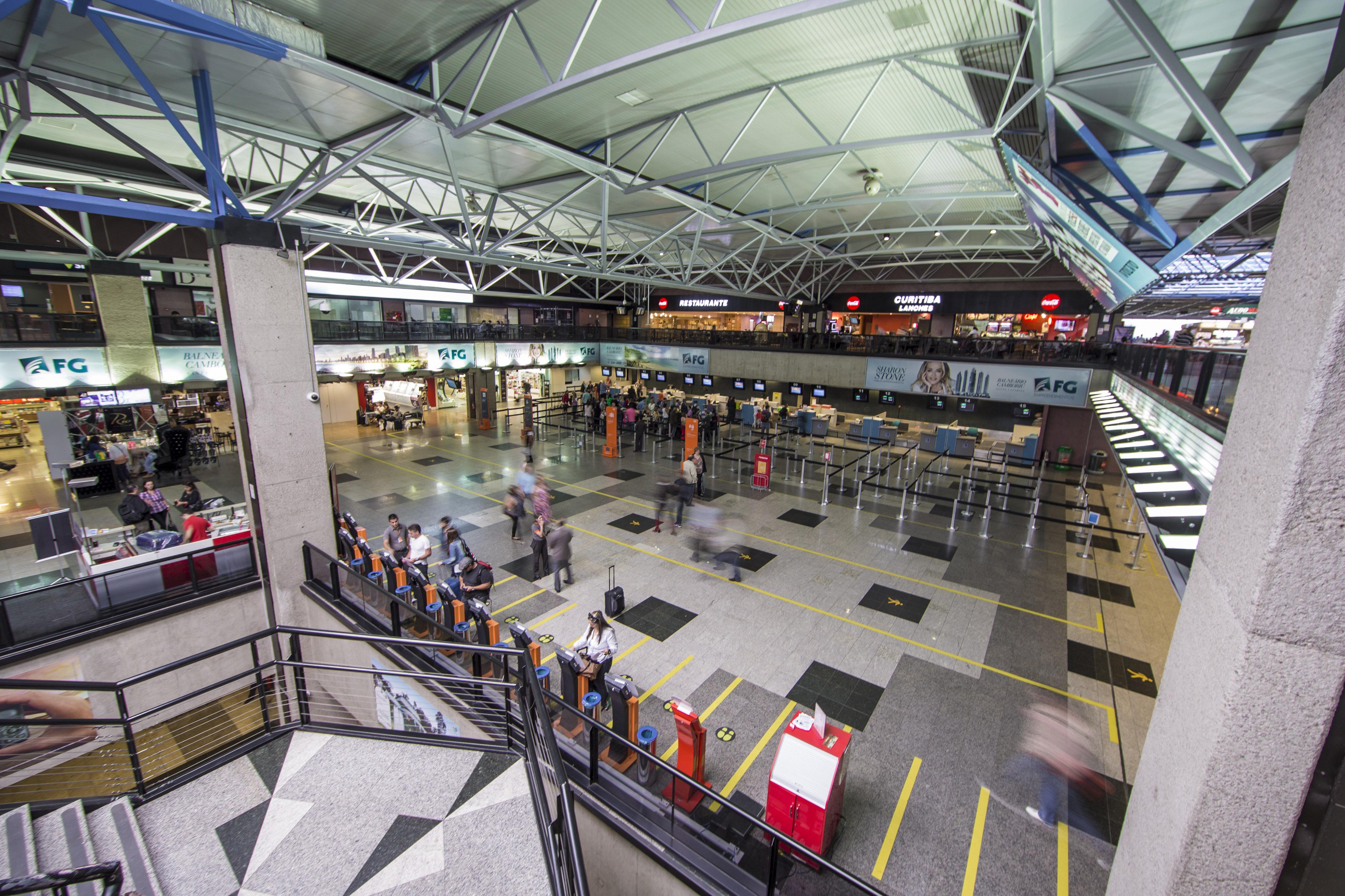 Aeroporto Afonso Pena Curitiba : Pesquisa classifica aeroporto de curitiba como o melhor do