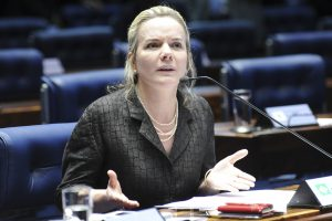 """Propina de R$ 1 milhão para Gleisi foi no """"fio do bigode"""", diz ex-deputado"""