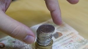 Indexação, chuvas e impostos devem pressionar mais a inflação que o câmbio