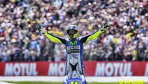 Liberado após exames, Rossi voltará a competir na MotoGP em Aragão
