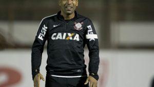 Emerson Sheik assina até junho e está de volta ao Corinthians