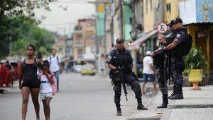 Sem plano de segurança, governo do RJ não retomará controle de comunidades