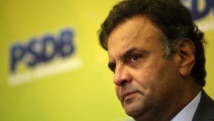 Aécio insiste em terminar de afundar a história do PSDB