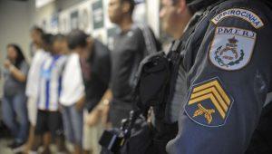 Polícia do RJ matou 33% mais pessoas do que em novembro do ano passado