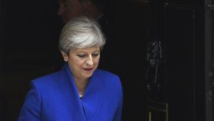 Ministro diz que Theresa May deve ficar no cargo pelo menos até 2020