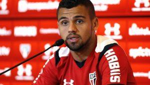 Lucão no Corinthians? Timão tem interesse no zagueiro do SPFC