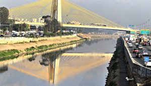 """""""Não seria utopia, é uma decisão política"""", diz Doria sobre despoluir rios Tietê e Pinheiros"""