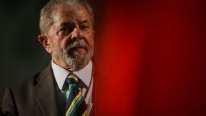 Defensores de Lula fazem cálculo político, mas TRF4 marca dia de julgamento