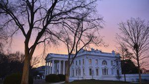 Senado dos EUA se reúne às 14h para discutir elevação do teto da dívida