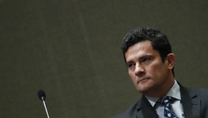 Moro proíbe venezuelano alvo da Triplo X de deixar o País