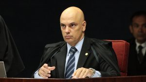 Decisão do STF sobre impeachment de Temer sai até próxima semana, diz Moraes