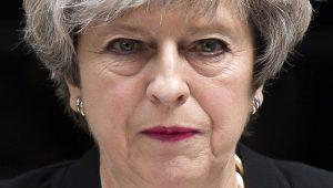 """Precisamos de """"solução criativa"""" para relação com UE, diz Theresa May"""