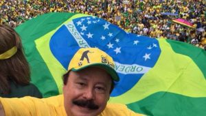 Levy Fidelix compartilha notícia falsa sobre Copa e recebe críticas