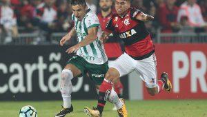 Willian tem lesão na coxa e desfalca o Palmeiras por até seis semanas