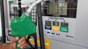 Com aumento do imposto sobre combustíveis, previsão de inflação sobe