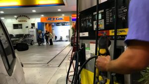 Diesel cai 0,2% e gasolina sobe 1% a partir deste sábado, diz Petrobras