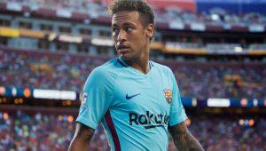 Neymar decide amistoso, mas indefinição sobre futuro ainda é destaque nos jornais europeus