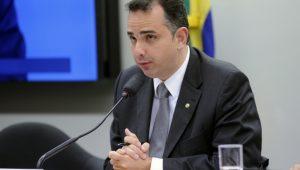 Presidente da CCJ adia anúncio do relator da denúncia contra Temer
