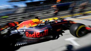 """Ricciardo """"voa baixo"""", fica perto de recorde e lidera 1º treino livre na Hungria"""