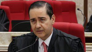 Presidente do TRF4 prevê julgamento de Lula em agosto de 2018