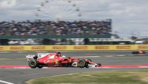 """Pirelli diz que pneu do carro de Vettel teve """"furo lento"""" em Silverstone"""