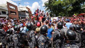 Venezuela tem mais um domingo sangrento