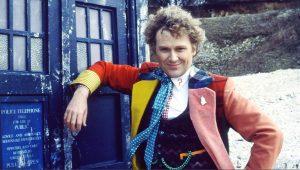 """""""Já deveríamos ter tido um Doctor negro"""", diz Colin Baker de """"Doctor Who"""""""