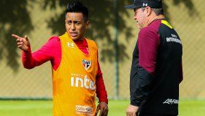 """Pintado diz que Cueva não quis viajar a Santos: """"não dá para pedir por favor"""""""