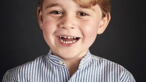 Realeza divulga retrato de aniversário dos 4 anos do Príncipe George