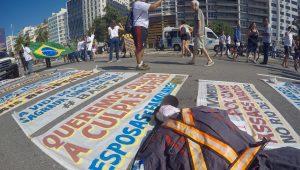 No Rio, policiais militares e parentes fazem ato contra mortes de agentes
