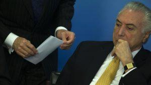 """Temer instala """"misturador de voz"""" em gabinete no Planalto. Presidente está inseguro?"""