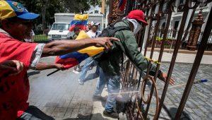 Oposição venezuelana anuncia greve de 48 horas para deter Constituinte