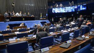 Senado acelera PEC de doação empresarial